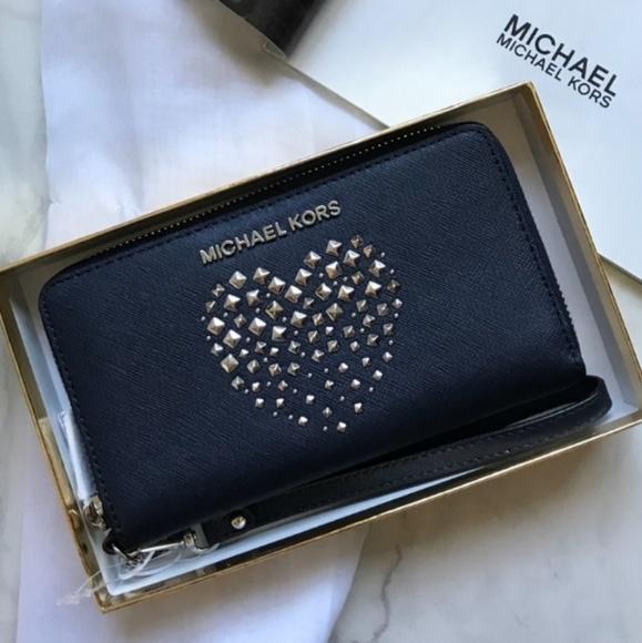 845a8b91c7f9 Michael Kors Bags   Nwt Leather Wristlet Phone Case Mk   Poshmark